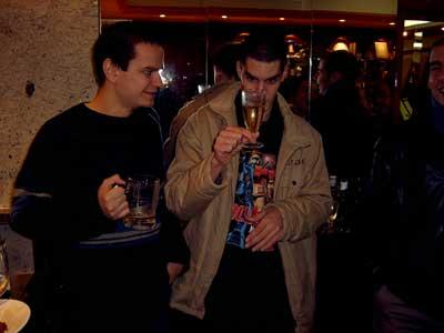 Borja bebiendo alcohol!